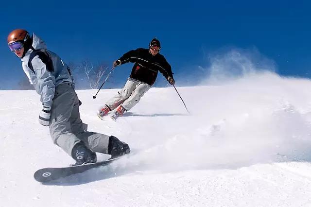 """我国滑雪产业""""起步"""":滑雪场数量占全球三分之一"""